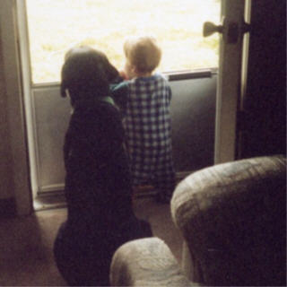 Bo and Anna looking out the window
